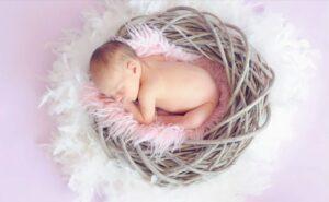 novorojenček ne spi